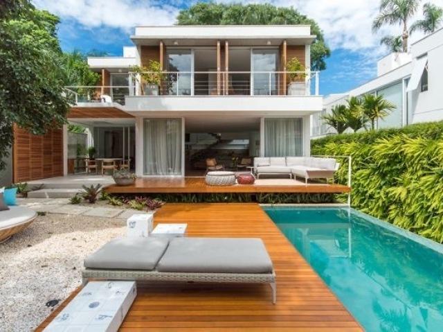 Monte sua casa de praia!