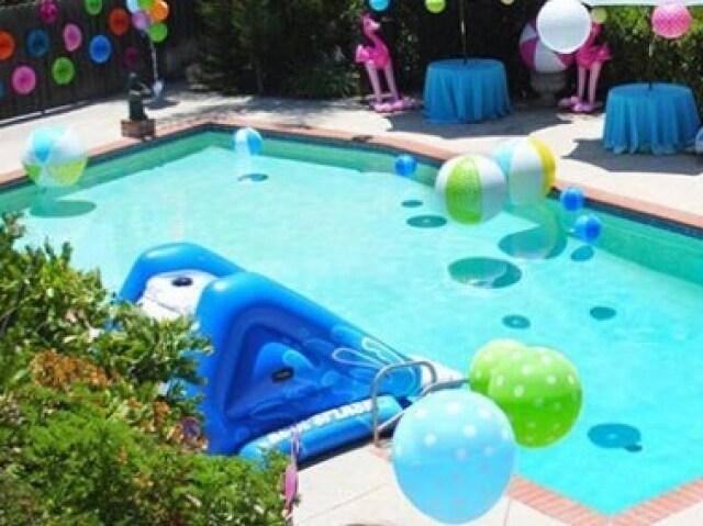 Monte sua festa da piscina!