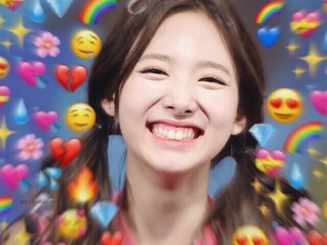 Escolha entre memes das Twice e te recomendarei um MV delas (: