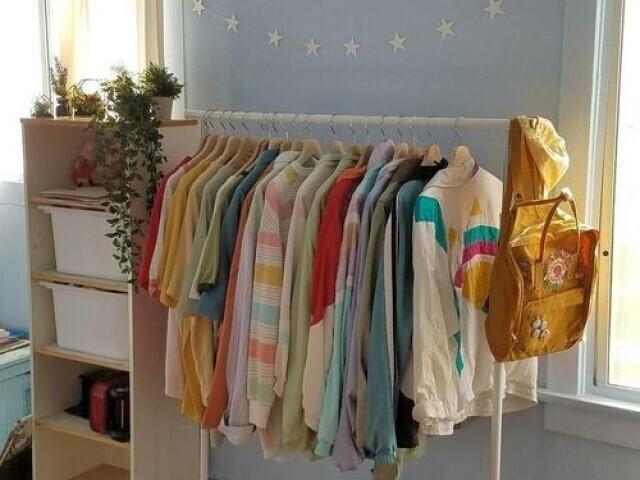 ✧*:. Monte sua própria loja de roupas