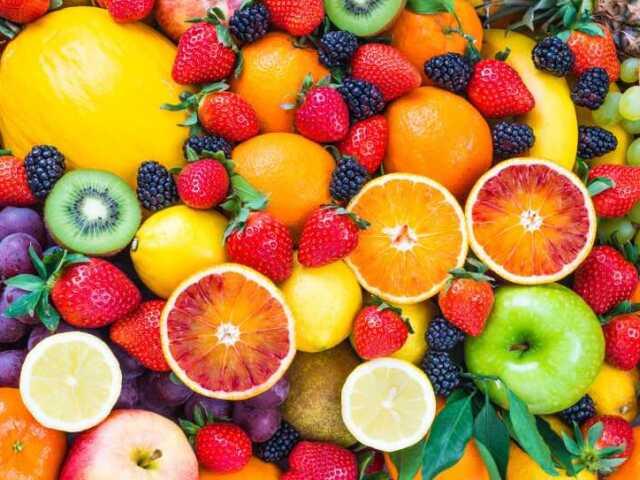 Quiz dois em um, com resultado de cor e fruta.