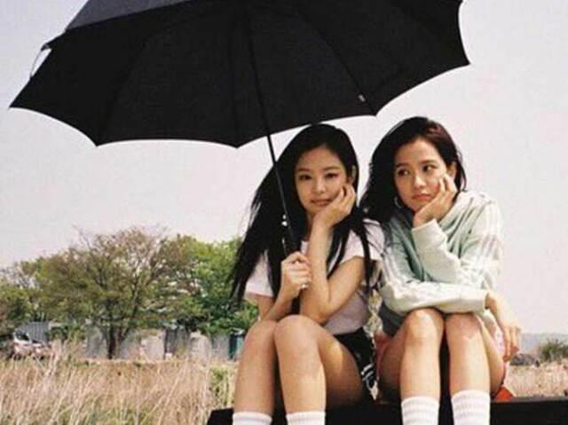 💗Adivinhe qual é a integrante (Jennie ou Jisoo) pela ordem da roupa!💗