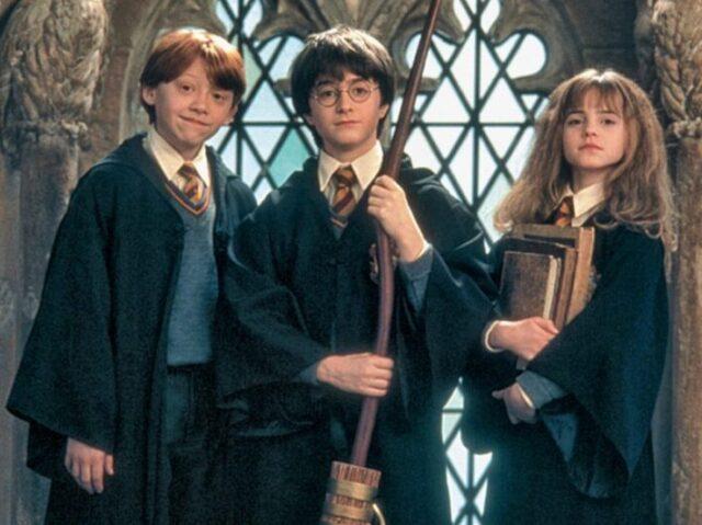 """Tu viste o filme """"Harry Potter e a Pedra Filosofal""""?"""
