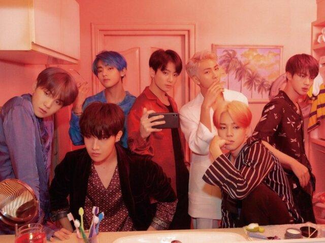 Escolha uma das imagens e te recomendarei uma música do BTS!